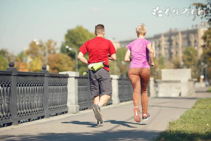 夏季跑步如何避免中暑