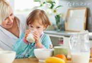 发烧可以喝牛奶吗?发烧应该注意什么?
